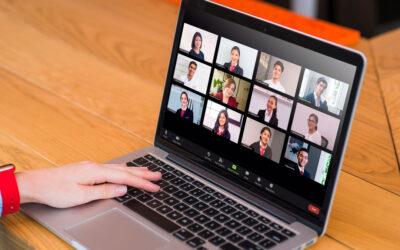 Estudiantes inician un nuevo periodo académico con clases virtuales